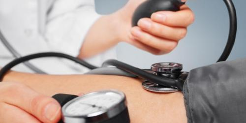 Hypertension artérielle : 3 complications à éviter
