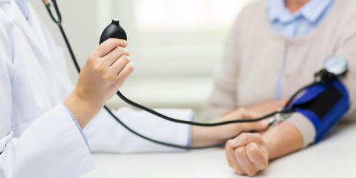 Hypertension : 3 complications à éviter