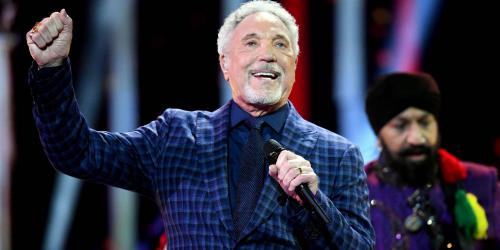 Le chanteur Tom Jones hospitalisé à cause d'une infection