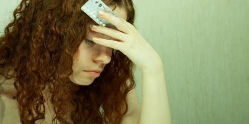 Migraine ophtalmique : la contraception hormonale en cause ?