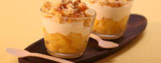 Verrine d'ananas, onctueux fromage blanc passion et crumble coco