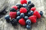 Les fruits rouges : environ 50 kcal/100 g